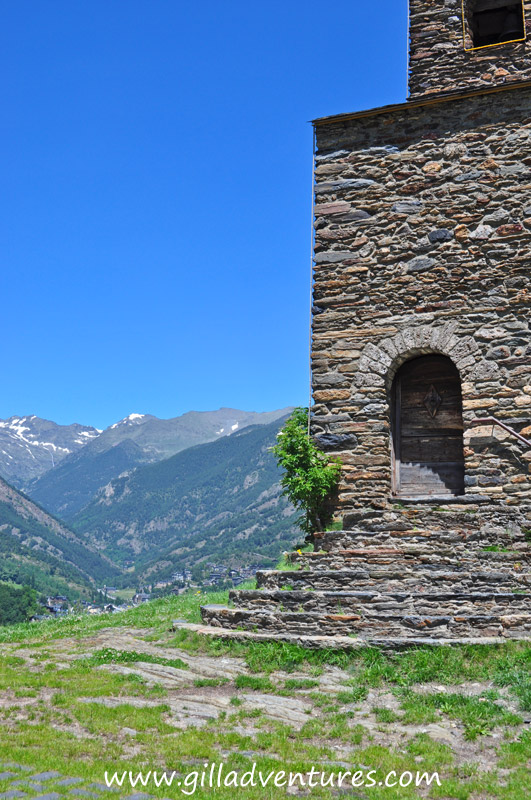 Overlooking La Massana, the door to the Sant Cristofol d&#039;Anyos Church invites.