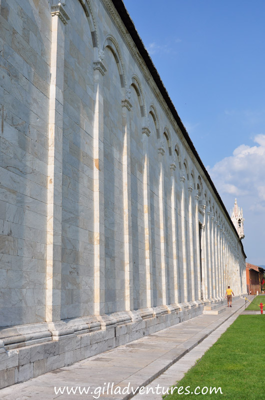 The Camposanto in Pisa. We didn&#039;t have time to go in this building, but I liked the rhythm of the facade. 