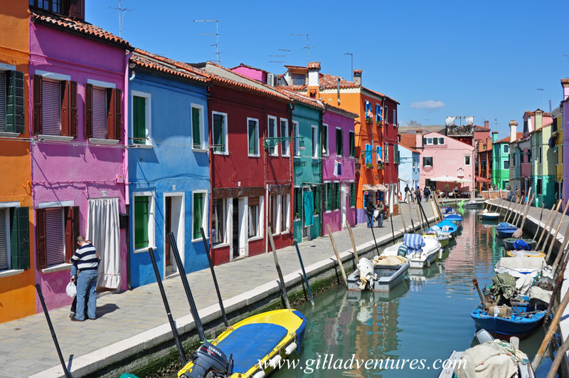 The colors and canal of Burano, Italy